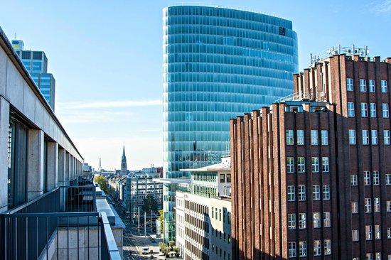 InterContinental Düsseldorf: Вид из номера (8-й этаж)