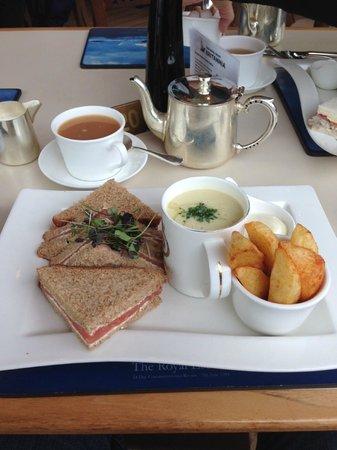 Royal Yacht Britannia: Eat like a Royal Lorde