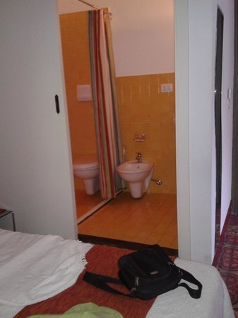 Alla Corte di Morfeo : bagno camera