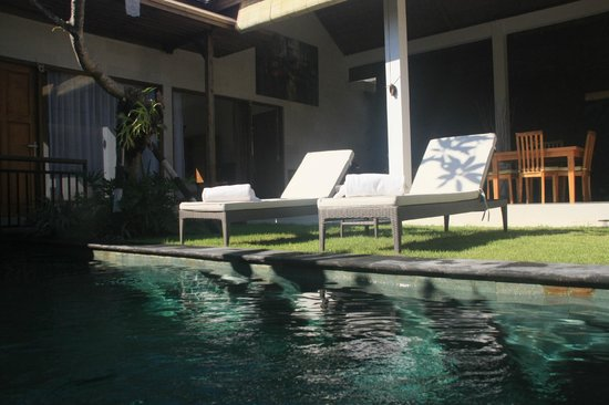 Sandi Agung Villa: Pool