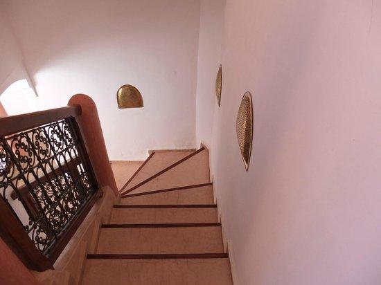 Riad Alena : Escalier