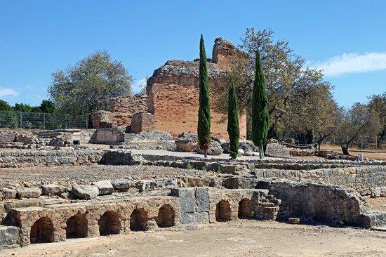 Nucleo Museologico da Villa Romana de Milreu : Temple