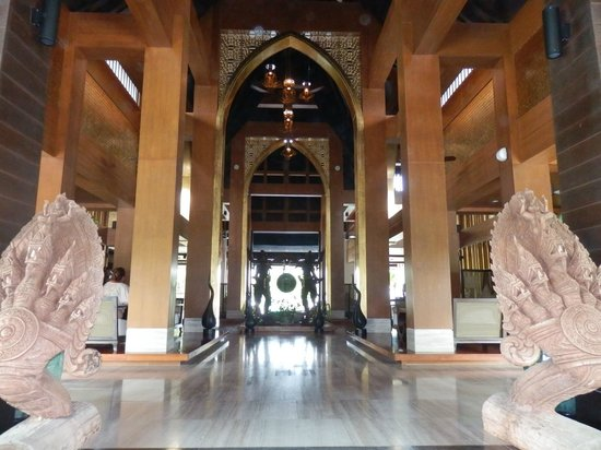 Natai Beach Resort & Spa, Phang-nga: as you enter the resort, nice decor