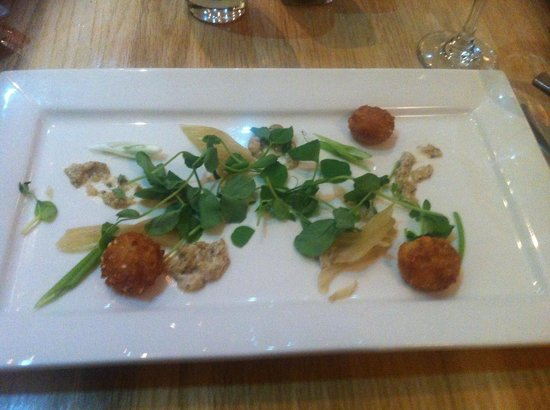 The Kinmel: Tiny crab cakes