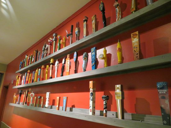 Redhook Portsmouth Brewery & Cataqua Public House : Fun tap handles