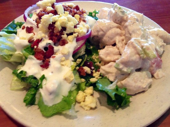 Ramona Valley Grill : Salad from salad bar