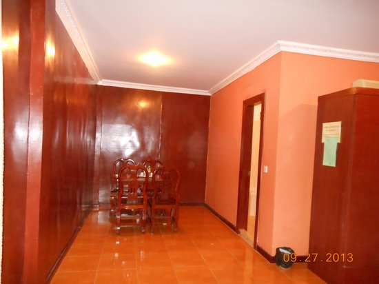 Neak Pean Hotel: Dining area