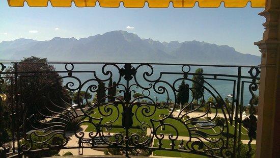 Fairmont Le Montreux Palace: Signature Suite Terrace View