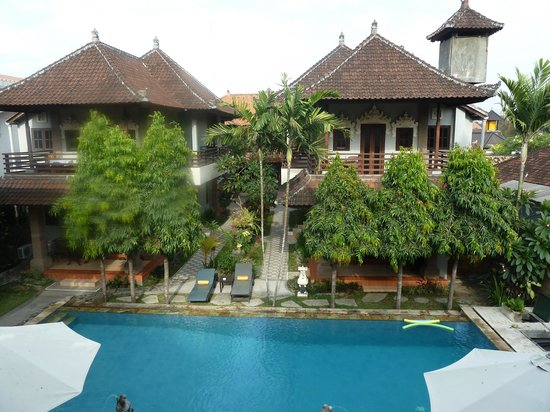 Puri Sading Hotel: Uitzicht vanuit onze kamer