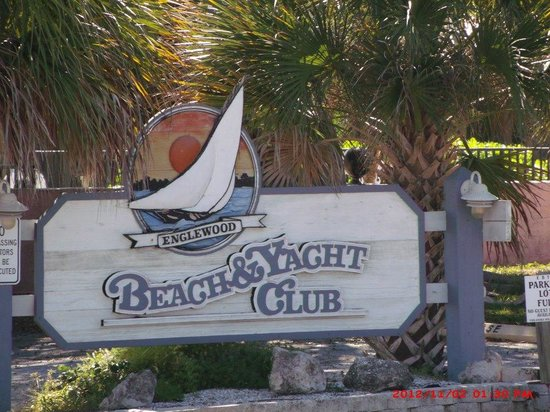 Englewood Beach and Yacht Club : Resort sign