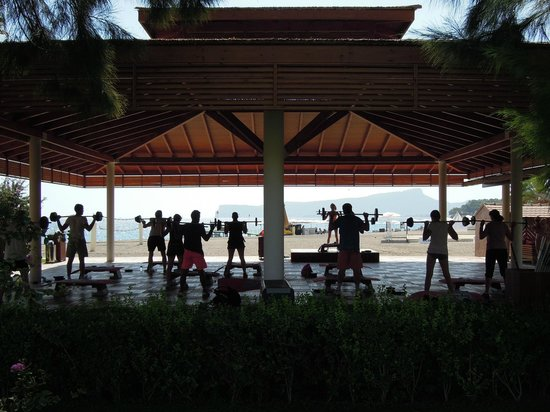 Club Med Palmiye: Beachside fitness area