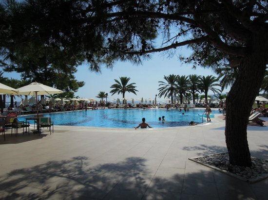 Club Med Palmiye: Villagio pool where sunshine dancing takes place (can be noisy)