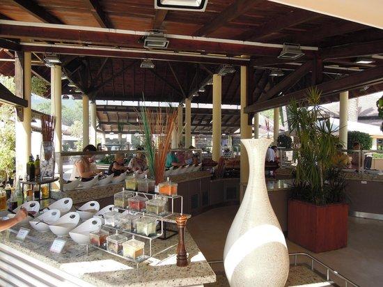 Club Med Palmiye: Villagio dining area with 12 chefs