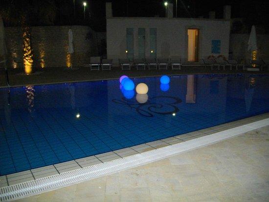 Pietre Nere Resort: La piscina