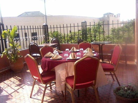 Restaurant Gout de Meknes: la terrasses