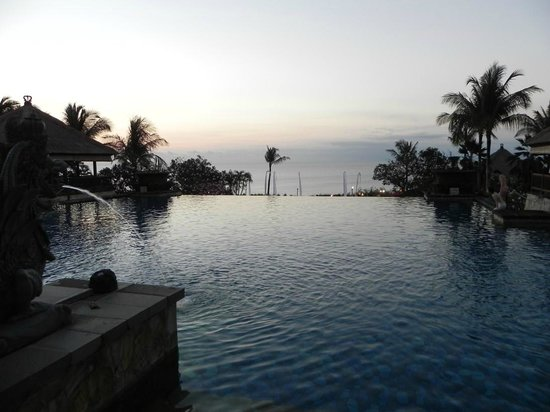 AYANA Resort and Spa: Hotel - Oberer Pool