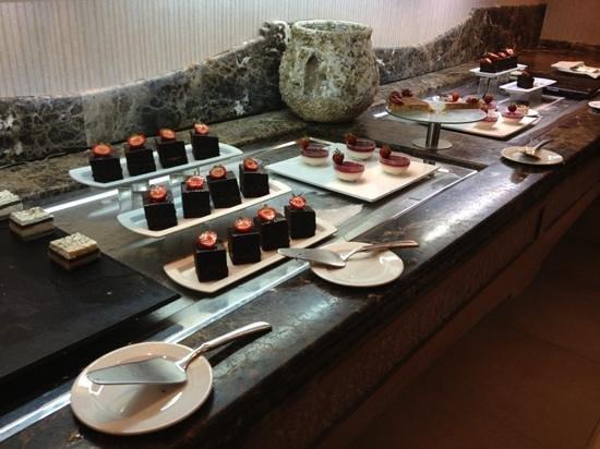 Insotel Fenicia Prestige Suites & Spa: Gorgeous desserts