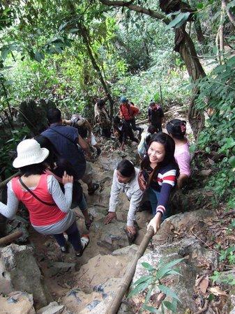 Tham Phu Kham Cave and Blue Lagoon: the stairway