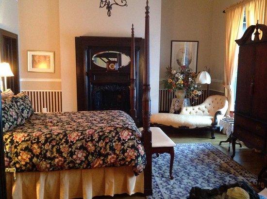 Hotel Le Clos Saint-Louis : Room 21, Margaret Sarah Racey 1838