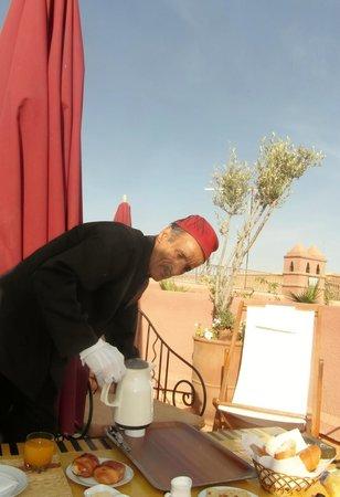 Riad Amira Victoria: ontbijt op het dakterras