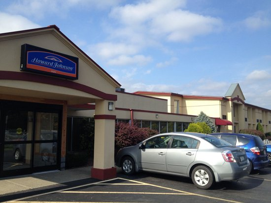 Howard Johnson Inn Saugerties : Cheap motel