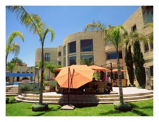 Hotel Boutique Casa Diamante : Casa Diamante, jardín-comedor-alberca.