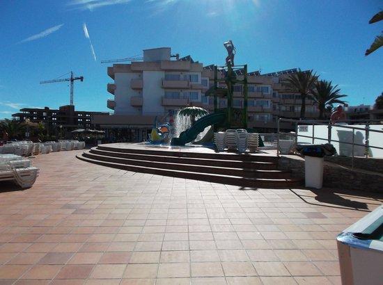 Playa Bella Apartamentos: Kids splash area