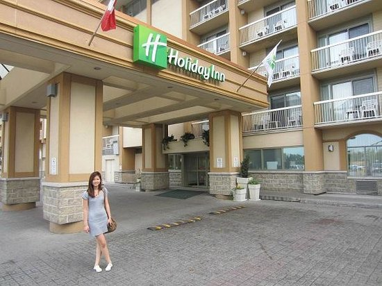 Holiday Inn Kingston - Waterfront : entrée de l'hotel