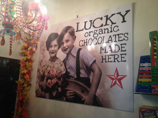 Lucky Chocolates: Best chocolate and awesome owner and staff!!!