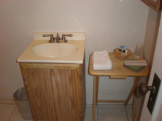 Panamint Springs Resort: Waschbecken mit Hinweisen zur Handtuchnutzung