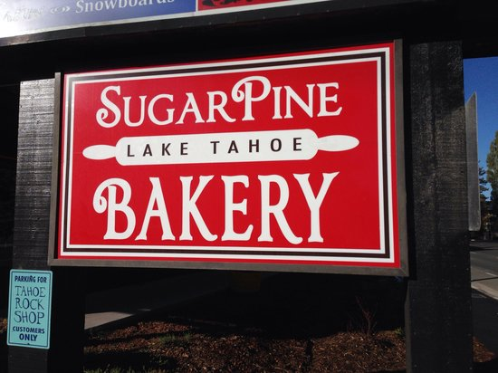 Sugar Pine Bakery: The sign by the road