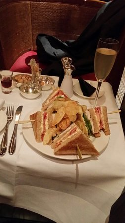 The Capital Hotel: Club sandwich and a French 74 cocktail in the bar.