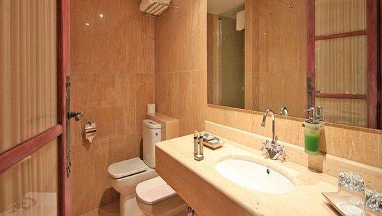 La Casa De Sebastian : Baño en habitación