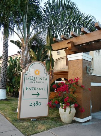 La Quinta Inn & Suites San Diego Old Town / Airport: ENTREE DE L'HOTEL
