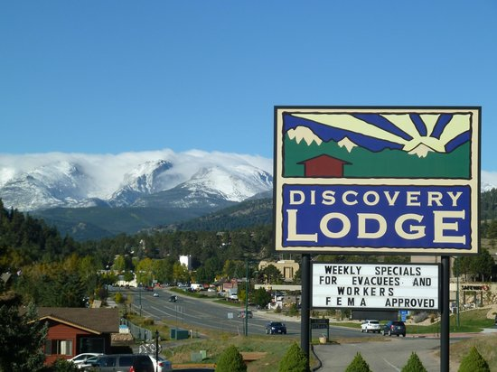 Discovery Lodge: Mountain Views