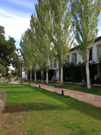 Hotel Fuerte Grazalema: ZONA JARDIN