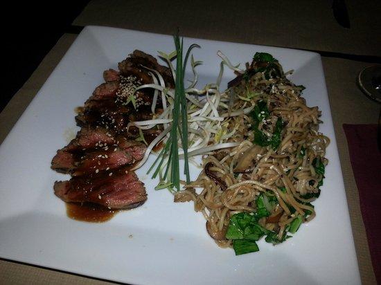 Koh: Beef in teriyaki sauce with noodles