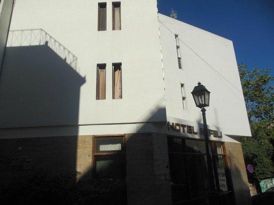Hotel Nefeli: Esterno dell'hotel