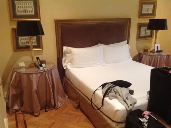 Hotel Villa Duse : bedroom