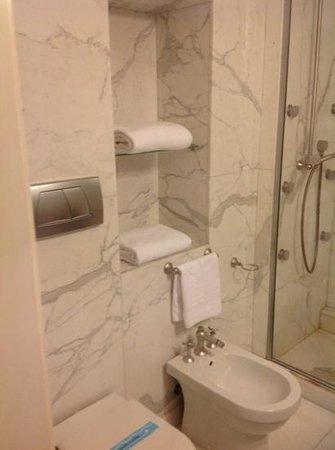 Hotel Villa Duse : bathroom
