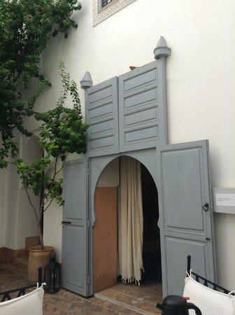 Riad Ariha: courtyard