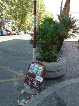 Ciao Roma : Une signalisation des arrêts on ne peut plus défectueuse