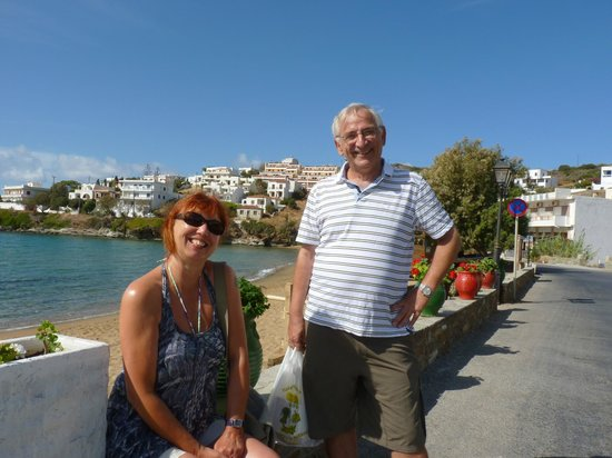 Villa Galazio : My wife with George on Batsi seafront