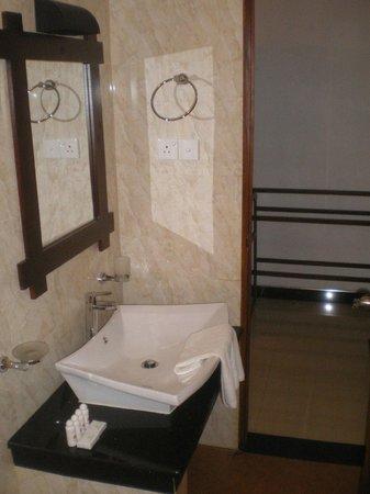 Onreech Hotel: Badezimmer