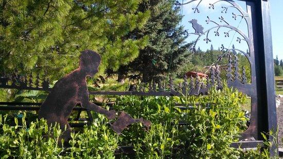 Georgeson Botanical Garden : Super Sculptures