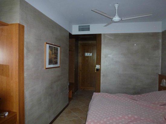 Hotel Castello San Antonio : Zimmer: wirkt schöner als auf den Fotos