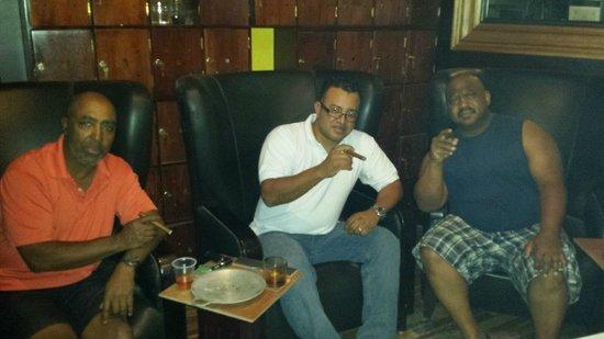 Havana Humidor Room: Steven,  Johnny , Carl'Andre'