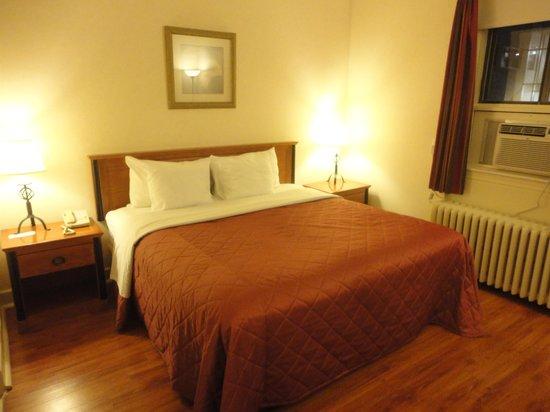 Hotel St-Denis: Standard King
