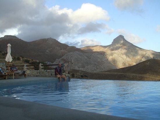 Thalori Traditional Village: Blick über den Pool
