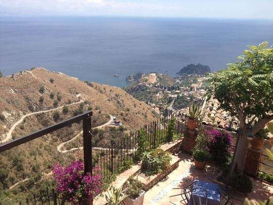 New Travel Services Day Trips : view from Castelmola